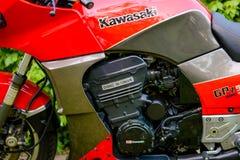 A motocicleta de Kawasaki GPZ 900 do filme de Top Gun fotografou exterior no parque Foto de Stock Royalty Free