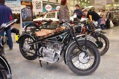 Motocicleta de la copia de la exposición de la gran guerra patriótica La exposición de coches en Moscú 2008 años Fotografía de archivo