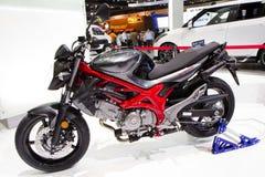 Motocicleta 2013 de Suzuki SFV650 Gladius na expo internacional do motor de Tailândia Imagens de Stock Royalty Free
