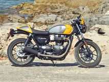 Motocicleta de Triumph - gêmeo do copo da rua de Triumph Imagens de Stock