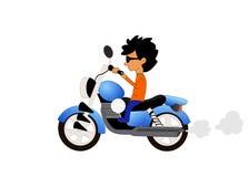 Motocicleta del montar a caballo del muchacho en el fondo blanco Foto de archivo