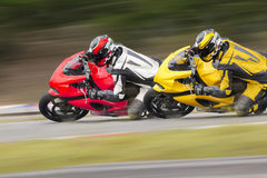 Motocicleta dos en pista Foto de archivo