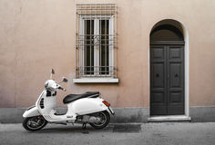 Motocicleta italiana típica Foto de archivo libre de regalías