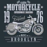 Motocicleta que compite con gráficos de la tipografía brooklyn Imagenes de archivo