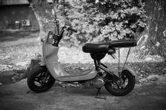 Motocicleta velha nova fotografia de stock royalty free