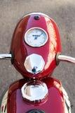 A motocicleta vermelha Jawa 125 do vintage produziu em antiga Checoslováquia Imagens de Stock Royalty Free