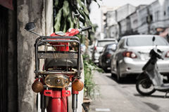 Motocicleta vermelha velha Foto de Stock