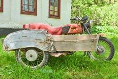 Motocicleta vieja de la vendimia Fotografía de archivo libre de regalías