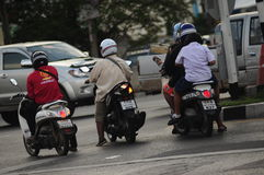 Motocicletas de la escuela al hogar Foto de archivo libre de regalías