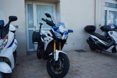 Motocicletas de la policía, Cannes fotografía de archivo
