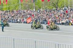 Motocicletas militares rusas en el desfile en Victory Day anual Fotos de archivo libres de regalías