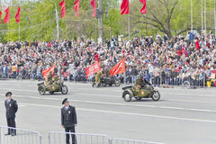 Motocicletas militares rusas en el desfile en Victory Day anual Fotos de archivo