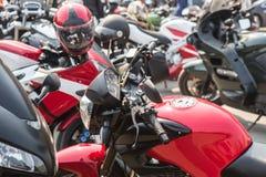 Motocicletas no estacionamento Fotos de Stock
