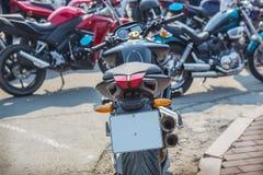 Motocicletas no estacionamento fotografia de stock royalty free
