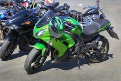 Motocicletas no estacionamento Imagens de Stock Royalty Free