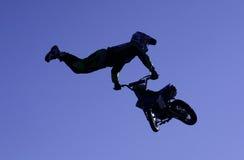 Motocicletta di volo Fotografie Stock Libere da Diritti