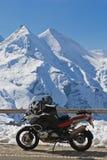 Motocicletta in Grossglockner, Austria Fotografie Stock