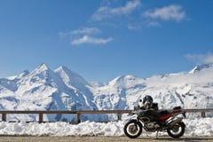 Motocicletta in Grossglockner, Austria Fotografia Stock