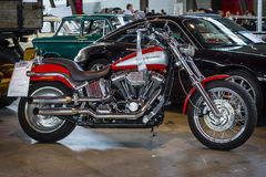 Motocicletta Harley-Davidson Softail Deuce Custom, 2003 immagini stock libere da diritti