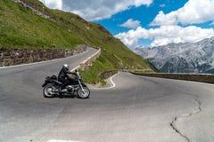 Motocicletta su Passo Stelvio Fotografie Stock