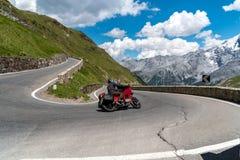 Motocicletta su Passo Stelvio Fotografie Stock Libere da Diritti
