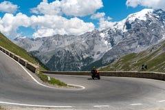 Motocicletta su Passo Stelvio Immagine Stock Libera da Diritti