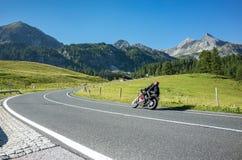 Motocicletta sull'itinerario Fotografie Stock Libere da Diritti