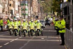 Motociclette della polizia durante la chiamata del papa a Edinburgh Fotografia Stock