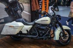 Motocicli di Harley Davidson sul cinquantaquattresimo salone dell'automobile internazionale dell'automobile e di Belgrado fotografia stock