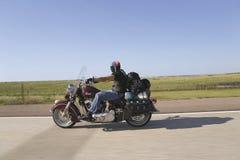 Motociclista com o bandana da bandeira americana Imagens de Stock Royalty Free