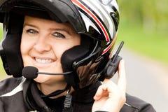 Motociclista con la cuffia avricolare Fotografie Stock Libere da Diritti