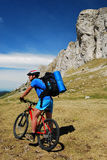 Motociclista da montanha - Romania Fotos de Stock Royalty Free
