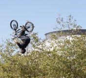 Motociclista de BMX Imagens de Stock