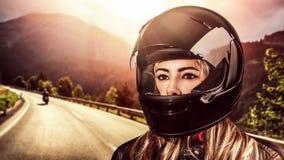 Motociclista della donna Immagine Stock