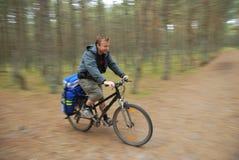 Motociclista della foresta Fotografia Stock Libera da Diritti