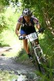 Motociclista della montagna nell'azione Immagine Stock Libera da Diritti