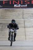 Motociclista em declive Fotografia de Stock