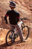Motociclista estremo su breakaway Fotografie Stock