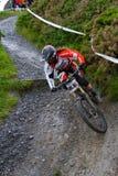 Motociclista fêmea da montanha Imagens de Stock Royalty Free