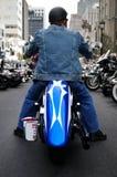 Motociclista nella città Fotografie Stock