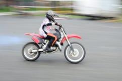 Motociclista veloce Fotografia Stock Libera da Diritti