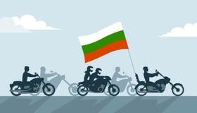 Motociclisti bulgari sui motocicli con la bandiera nazionale Fotografia Stock Libera da Diritti