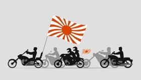 Motociclisti giapponesi con la bandiera del sol levante Immagine Stock