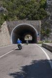 Motociclisti sulla costa di Amalfi Immagini Stock
