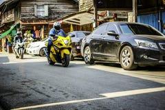 Motociclo di guida del giovane Fotografia Stock