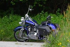 Motociclo su ordinazione blu fotografia stock