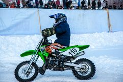 Motocross in de winter Royalty-vrije Stock Afbeelding