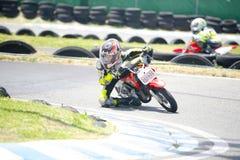 Motocross dzieci rowerzyści Zdjęcie Royalty Free