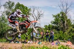Motocross extremo do enduro na ação Imagens de Stock Royalty Free