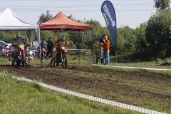 Motocross het rennen begin Stock Foto